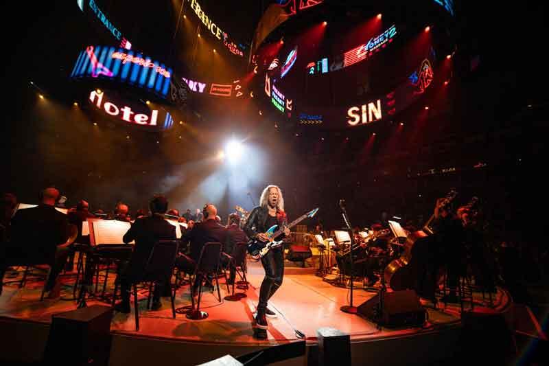 Видео с концерта METALLICA с оркестром